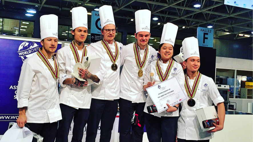 "<font color=""Gray"">Cookery competitions for young chefs</font>"